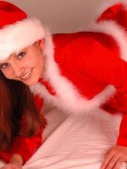 Pictures of teen star Alyssa Teen sending you holiday wishes