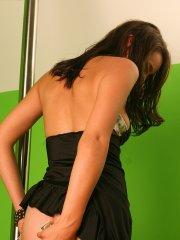 Pictures of Annabelle Angel working the stripper poll
