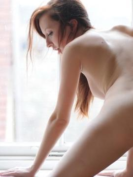 Pictures of a hot girl naked just for you