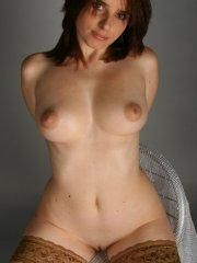Pictures of Cam Vivian totally nude just to pleasure you