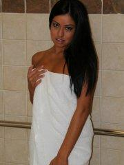 Pictures of teen model Cierra Spice getting wet in the shower