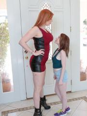 Alice Merchesi and Lauren Phillips in Extra Tall Babe vs Extra Small Spinner