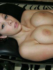 Pictures of Gianna Michaels showing her hot busty body