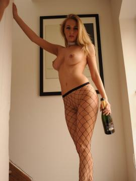 Pictures of Hayley Marie teasing in her fishnets