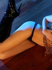 Pictures of Natalie Sins spreading in her boots