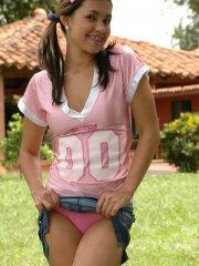 Pictures of Pamela Spice getting naughty outside
