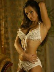 Pics of K8tie flaunting in her lingerie