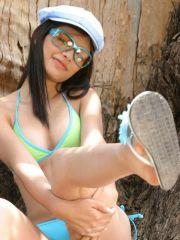 Pictures of teen True Tere waiting for you to come take her bikini from her