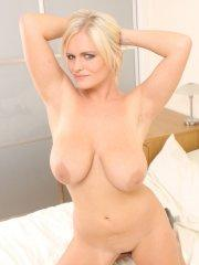 Pictures of Victoria Summers showing off her huge boobs